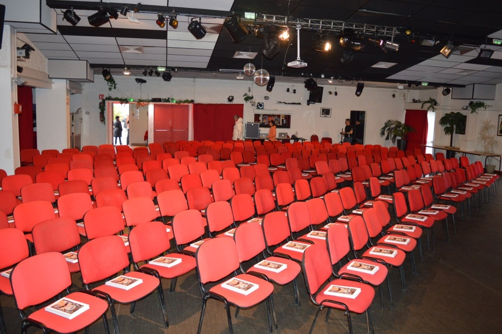 salle yves montand keravel vacances